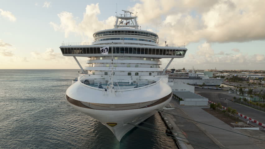 ORANJESTADT ARUBA DEC Time Lapse Of A Cruiseship Leaving - Cruise ships in aruba